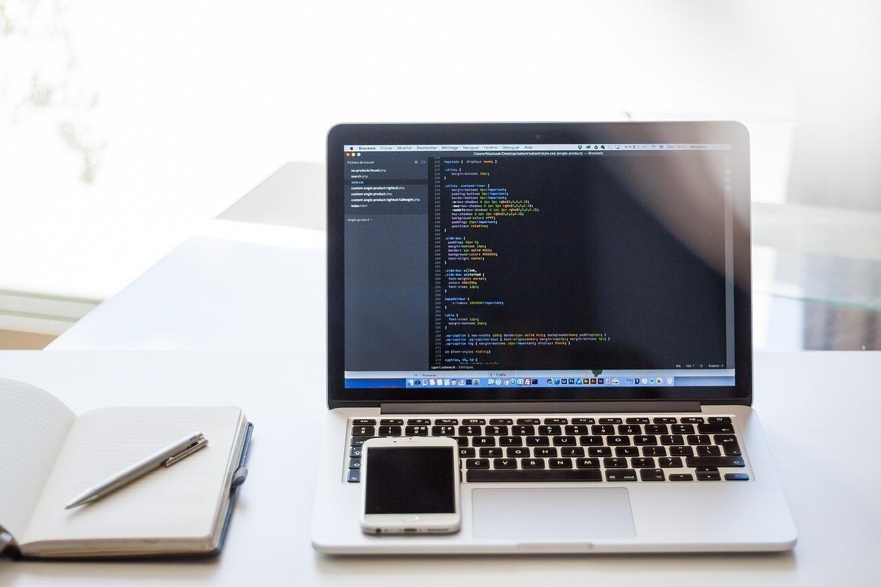 Ngôn ngữ lập trình là gì? Phân loại các ngôn ngữ lập trình cơ bản