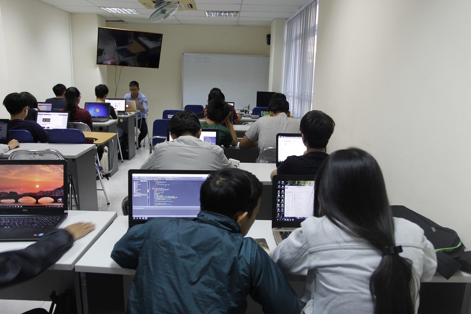 Giáo trình Java cơ bản của ĐH Công nghệ – ĐHQG HN